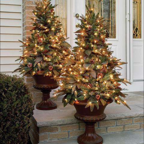 Bethlehem lighting christmas trees Aspen 4 Indooroutdoor Lit Canterbury Urn Funwritingsandthingsme Bethlehemlights