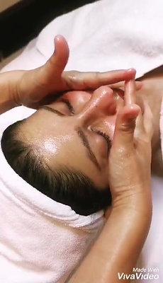 Skin Analyzer  + 45 Mins Facial +Free Consultation