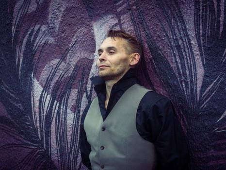 Владимир Елымчев: «Никогда не ловлю кайф от своего присутствия на сцене»