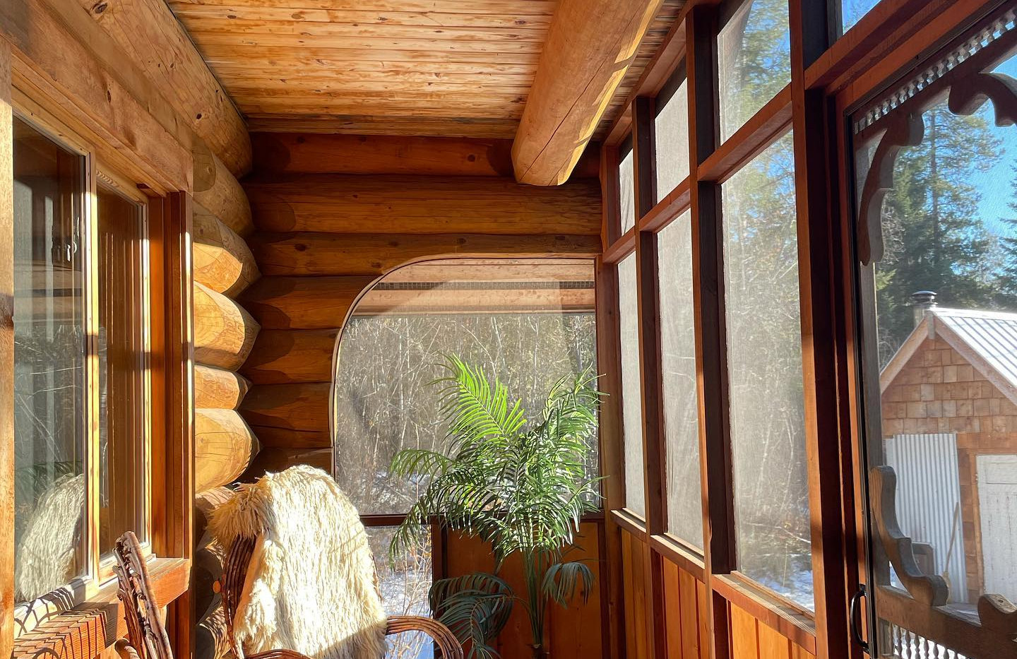 Screened in BBQ porch