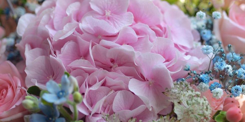03.  Fresh Gift Bouquet  精緻鮮花束班  Night Class