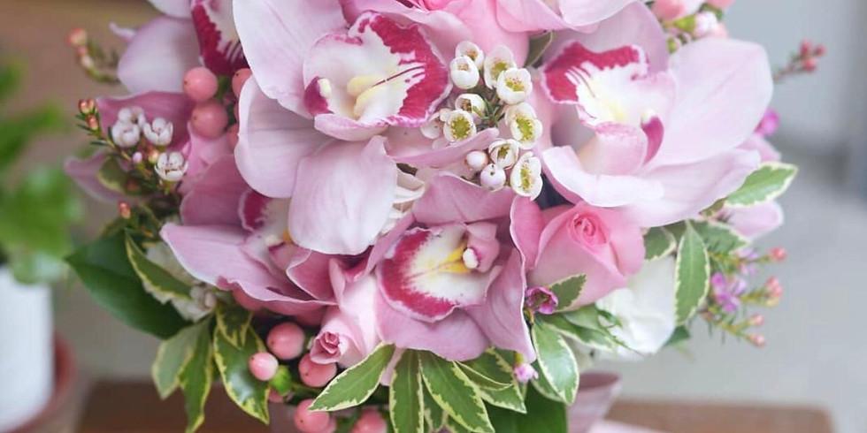 01a. Fresh Wedding Bouquet 蕙蘭鮮花球班