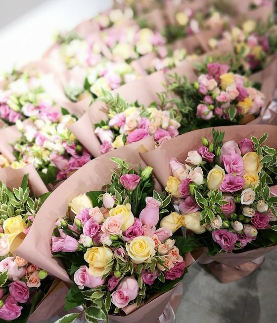 除了花,只有花。。