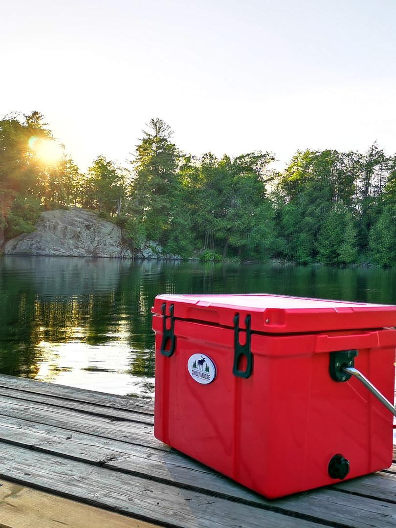 CM 25L Canoe Red.jpg