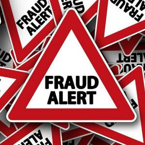 FRAUD ALERT ⚠ : Fraudsters and Impostors are using the identity of Ministers and MPs on social media