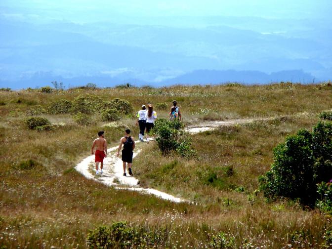 O que fazer no Circuito Serras de Ibitipoca? Descubra 3 destinos com roteiros imperdíveis
