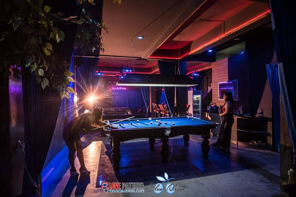 Blue Olives Gentlemen's Lounge