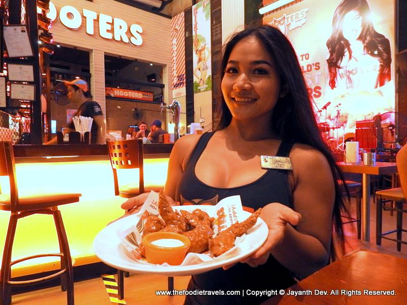 Hooters, Pattaya