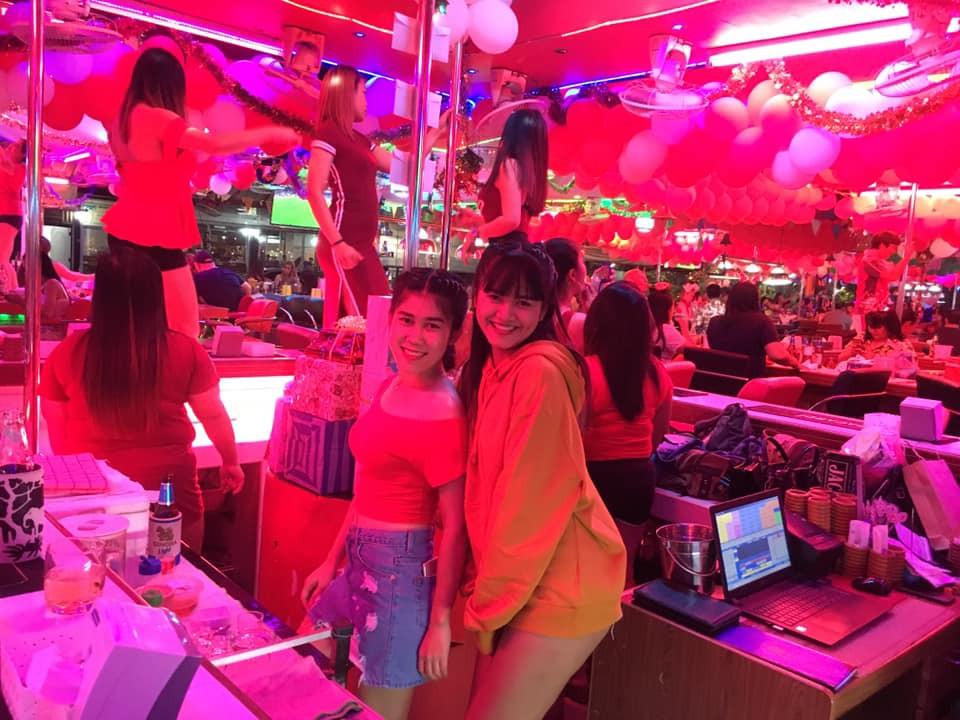 Chilli's Girls Bar
