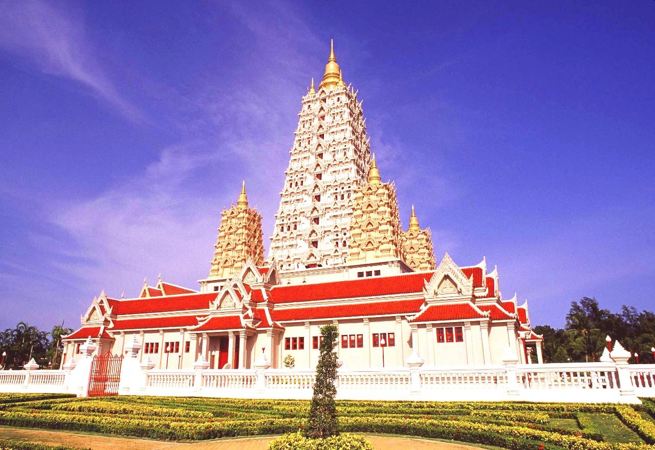 Wat Yansangwararam side view