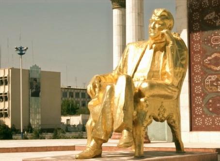 Turkmenbashi: Statues of Turkmenistan