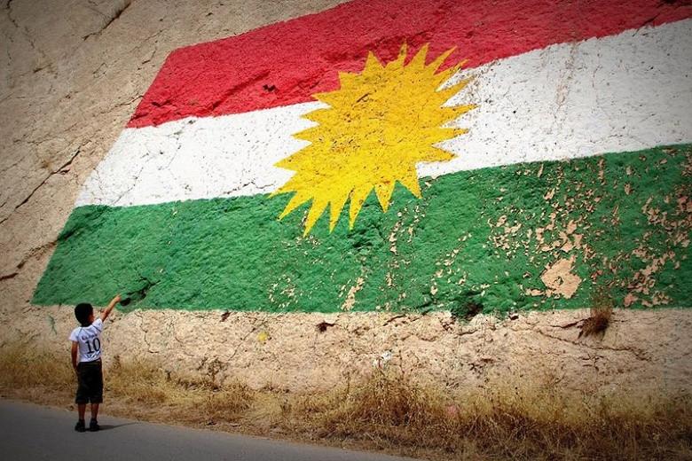 Kurdish flag painted on wall
