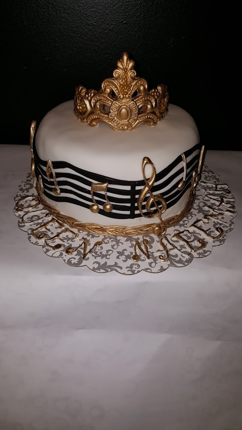 Crown Music Cake