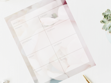 Printable Weekly Calendar: Pale Pink Peonies