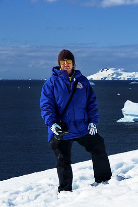 Bodhi-Del-Mar-in-Antarctica-2000px.jpg