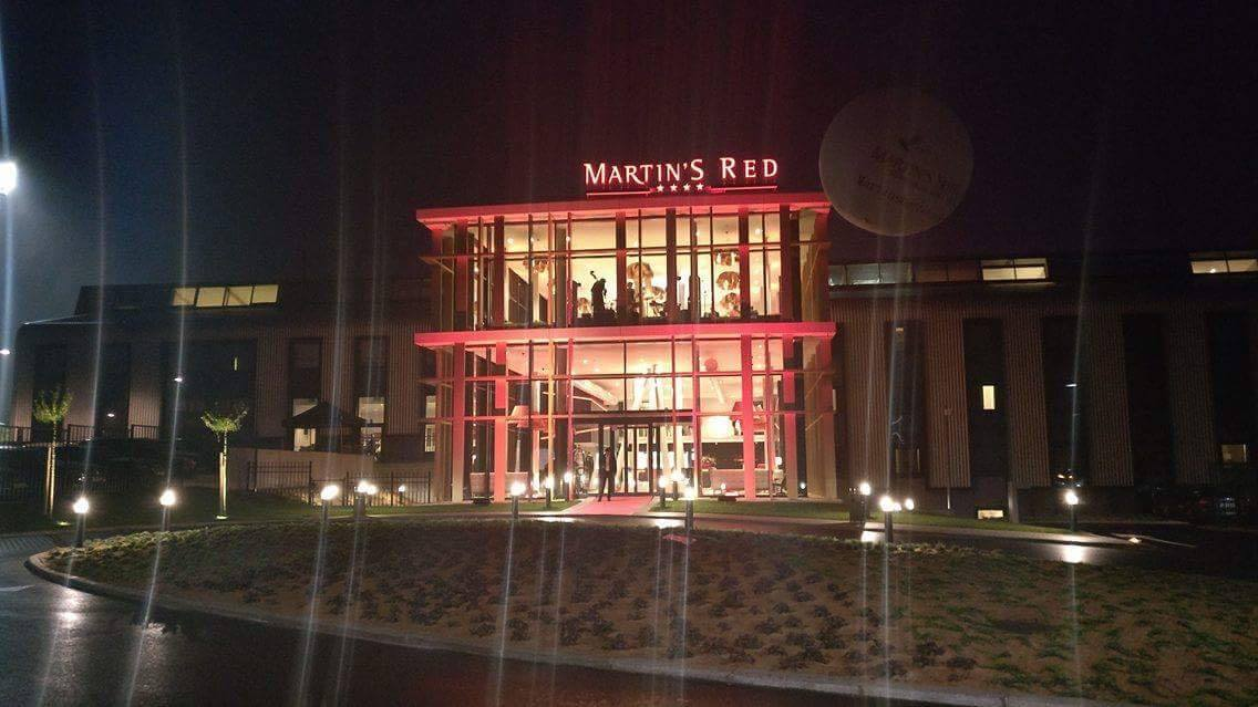Grand opening Martin's Red