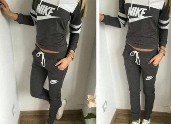 Nike sieviešu sporta tērps Jogging