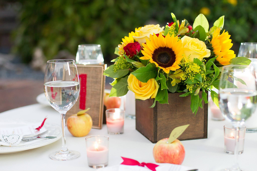 DIY Floral Centerpiece by Bloominous