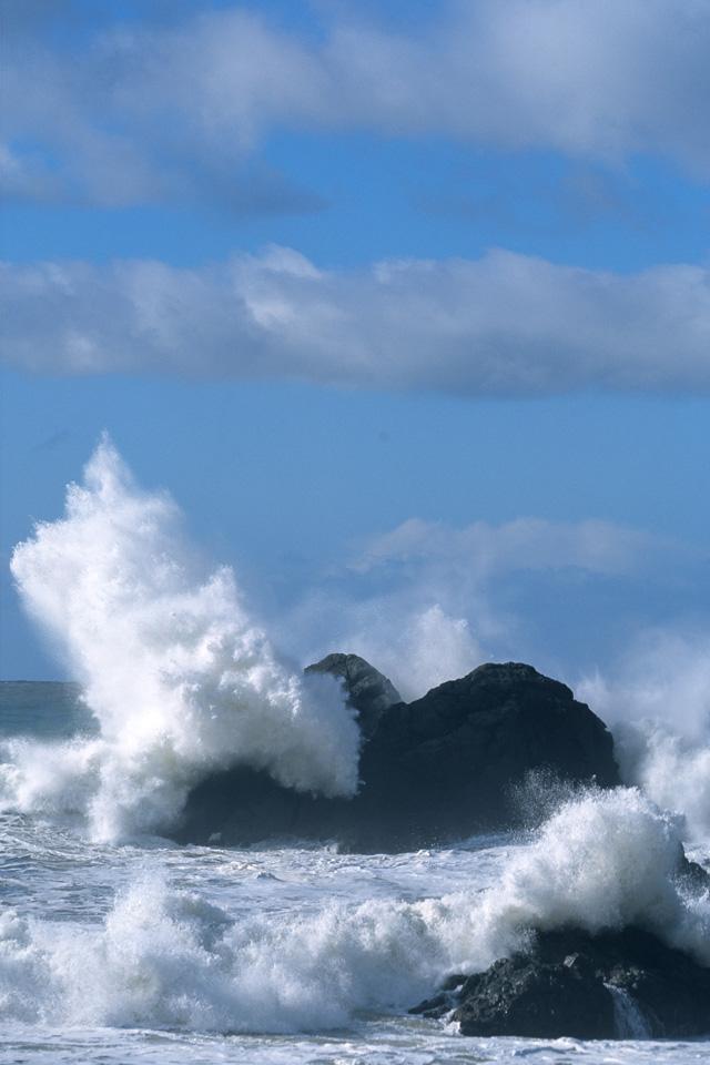 Breaking Wave on Rocks