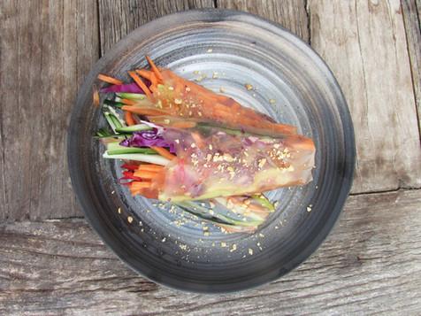 ROLLOS VIETNAMITAS con salsa de mani de 4 ingredientes