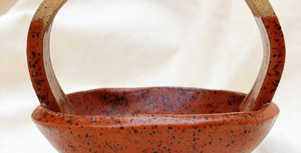 cauldron in speckled sienna