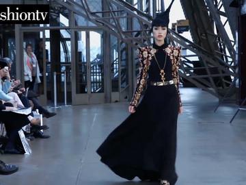 Fashion Show - Paris/ Eiffel Tower