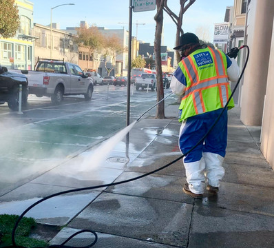 Crews were out on Folsom St. in SoMa for our CleanCorridorsSF deep-cleaning operation.