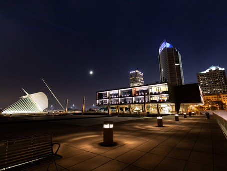 Milwaukee Lakefront Venue - War Memorial Center