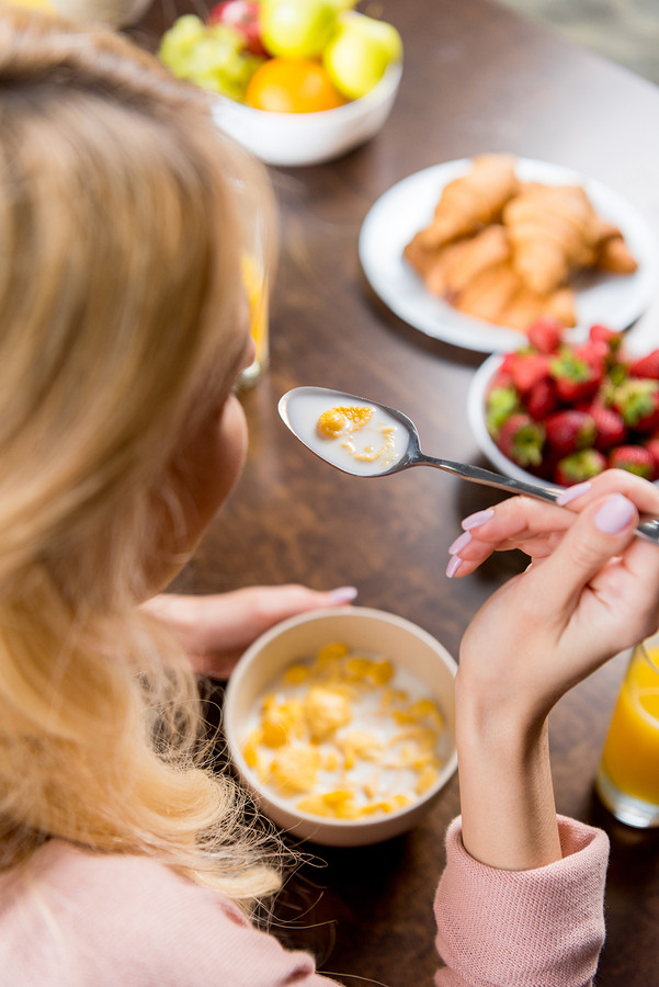 Elder Care in Berea OH: Can Breakfast Help Your Senior Lose Weight?