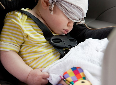 Passeando com segurança: Como transportar o meu filho no carro?