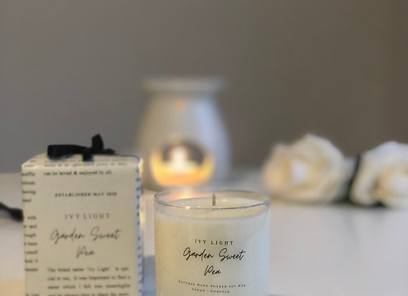 Ivy Light Candle in Garden Sweet Pea