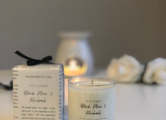 Ivy Light Candle in Black Plum & Rhubarb