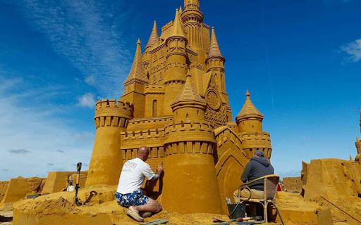 Sculpture de sable. Disney Sand Magique. Festival de sculptures de sable à Ostende, Belgique.