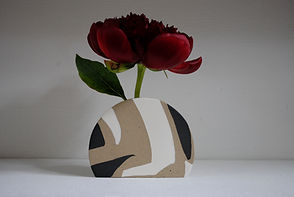 Pottery Vase for dried and fresh flowers in Black and White Stoneware.