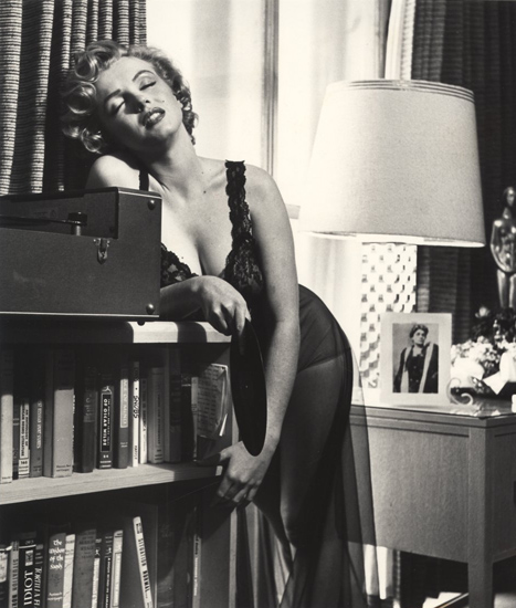 Marilyn with Duse photo