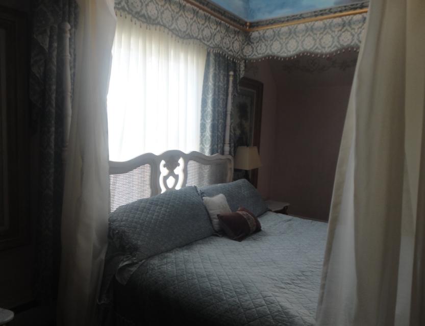 M&R Bed