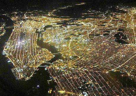 incredible-photographs-new-york-lights-at-night.jpg