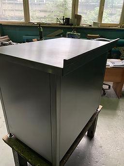 Фото шкафчика из нержавеющей стали бок