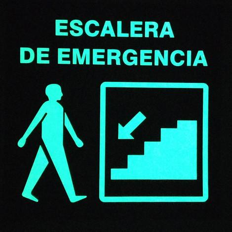 Escalera de Emergencia Derecha Foto luminiscente