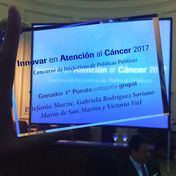 Ganamos el 1° Premio en Innovar en Atención al Cáncer . Concurso de iniciativas en políticas pública