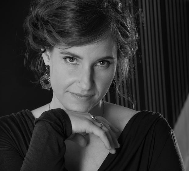 Sara Binet Sängerin Nahaufnahme sw