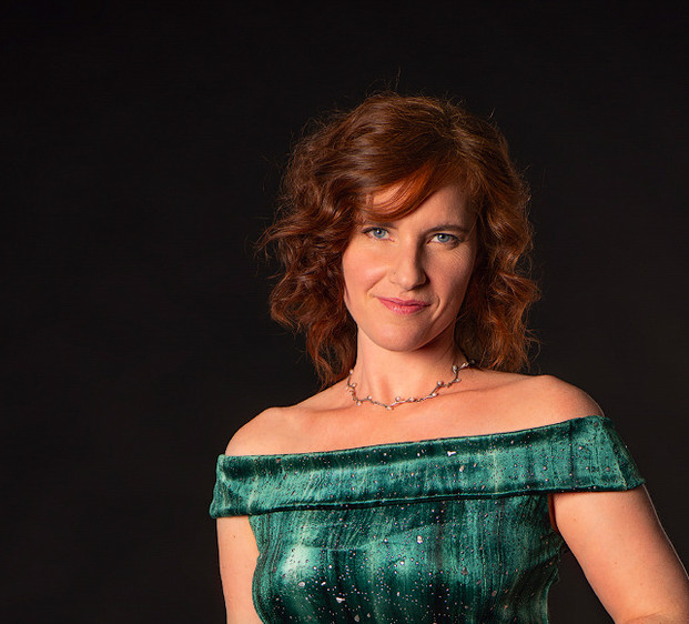 Sara Binet Sängerin