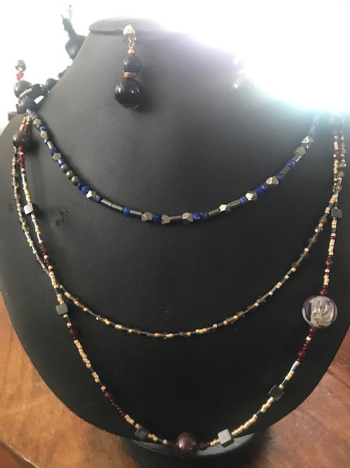 1001 Nuits. SET Earrings & Triple-Necklace. Lapiz Lazuli, Garnet, Hematiti, Onyx