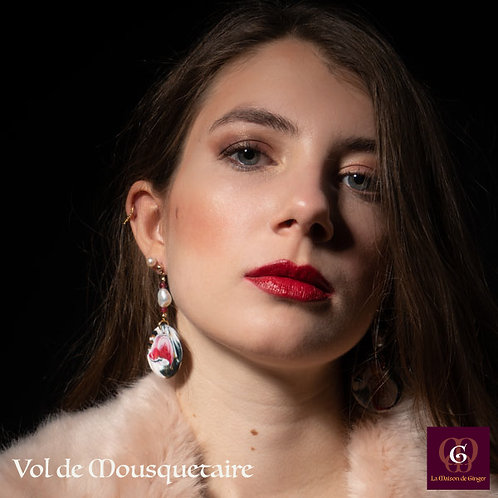 Vol de Mousquataire -  SET Necklace & Earrings. Pearls, Jade, handmade beads