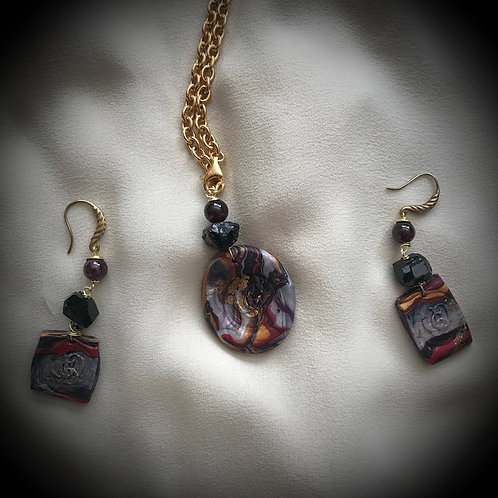 Je m'en fous - SET Necklace & Earrings. Tourmaline, Garnet, Handmade Elements