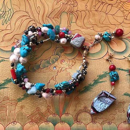 Air de Printemps. Bracelet & Earrings. Tourquoise, Coral, Pearls, Jade, Agate...