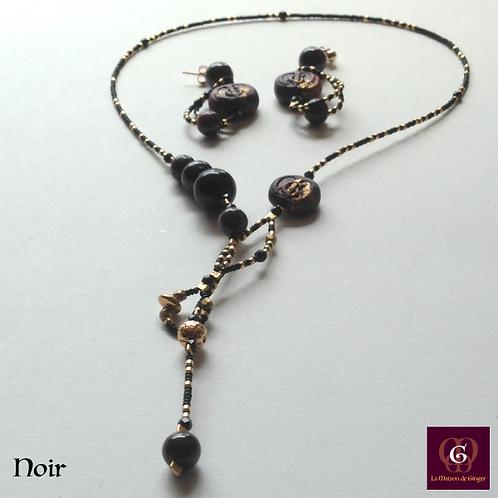 Noir - SET Earrings & necklace. Granat, Onyx, Volcanic Stones