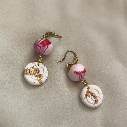 L'essentiel. Earrings. Handmade elements by La Maison de Ginger with Gold-leave