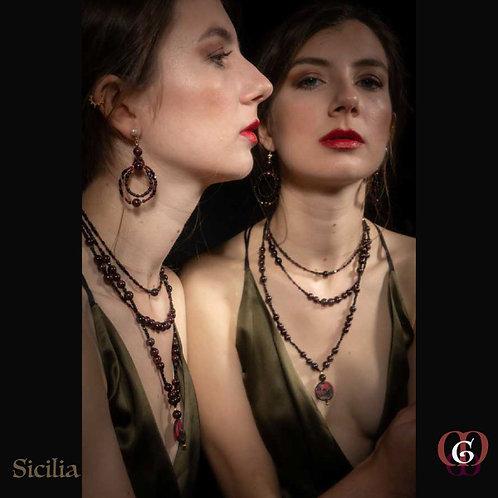 Sicilia - SET Triple-Necklace & Earrings. Precious Granat