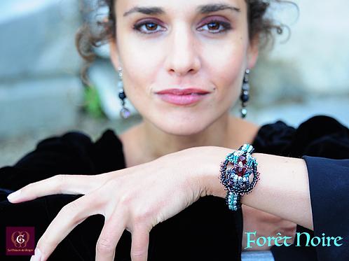 Foret Noire - Single Item - Unique handbeaded bracelet